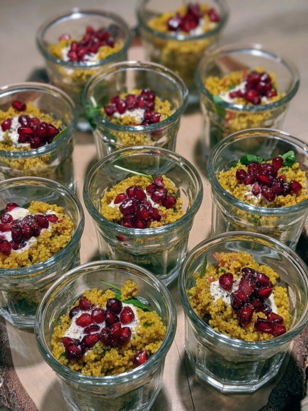 Couscous Salat mit Joghurt und Granatapfel